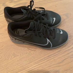 Boys Nike indoor soccer shoes- 3